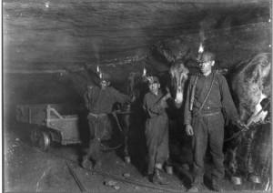 trabajando-en-mina-de-carbon-1908-t7491